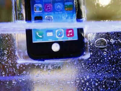اب پانی میں گرنے والا موبائل فون اپنی صفائی خود کیا کرے گا