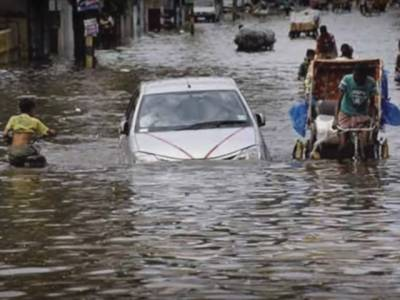 تامل ناڈو میں شدیدبارشیں،55افرادہلاک،بجلی بند،ٹرینوں کی آمدورفت معطل