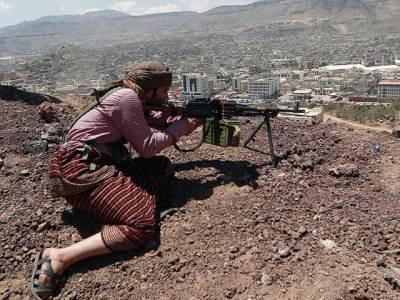 یمن میں شدید لڑائی کے بعد حکومتی فورسز کی الضالع میں پیش قدمی، اسلحہ گوداموں ، فوجی گاڑیوں پرقبضہ ، مزاحمتی قبائل نےباغیوں کے خلاف اپنی کارروائیاں شروع کر دی
