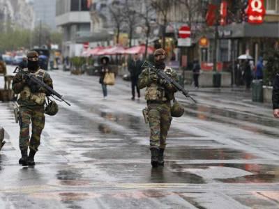 برسلز میں آئندہ پیر تک ہائی الرٹ رہے گا، سکولوں کے باہر فوج کی تعیناتی کا بھی فیصلہ