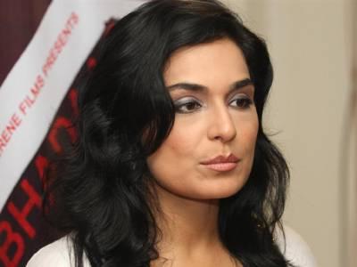 """""""بالی وڈ سٹارز اپنی حکومت کی پالیسی کو سمجھیں"""" اداکارہ میرا مودی سرکار کے حق میں بول پڑیں"""