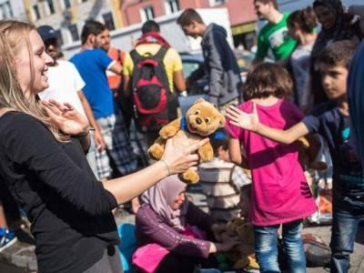 3کھرب روپے کی امداد ،جرمن کرسمس تحائف سے زیادہ مہاجرین پر رقم خرچ کرینگے
