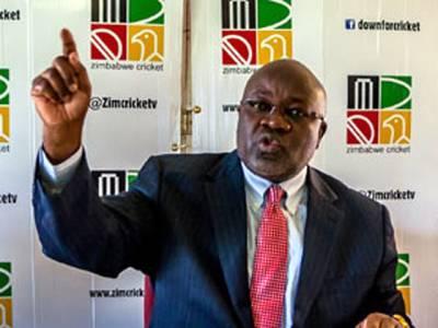 زمبابوین کرکٹ بورڈ کے سابق سربراہ ولسن مناسے کو بلا اجازت ٹیم پاکستان بھجوانے پر 4سالہ پابندی کا سامنا، عدالت سے رجوع کرنے کا اعلان