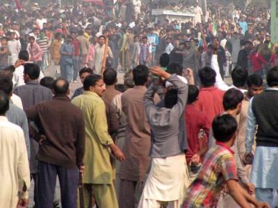 بلدیاتی الیکشن کا تیسرا مرحلہ،کراچی اور پنجاب میں تصادم، مارکٹائی ، راولپنڈی میں راجہ بشارت کا بھانجا ،گجرات میں 3 افراد قتل، ق لیگ کا چیئرمین زخمی