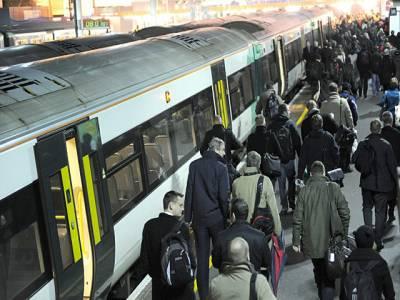 لندن کے ریلوے اسٹیشن پرپولیس کو حملے کی اطلاع دینے والا بھی مسلمان ہی تھا