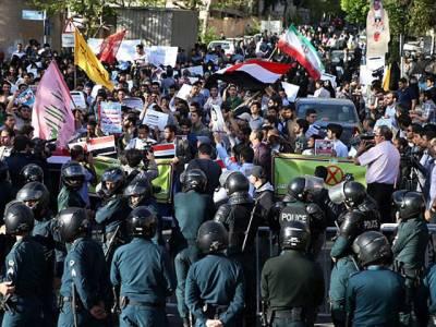 مشہد میں سعودی قونصلیٹ نذر آتش ' ایرانی سفیر کو سعودی عرب چھوڑنے کا حکم