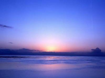 وہ جگہ جہاں دن میں آسمان لال اور غروب آفتاب کے وقت نیلا ہوتا ہے