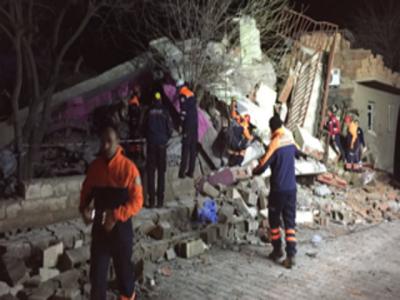 دیار باقر میں پولیس ہیڈ کوارٹر پر خود کش حملہ، 5 افراد جاں بحق، 36 زخمی ، جوابی کارروائی میں 8 حملہ آور مارے گئے