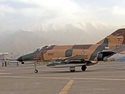 ایران کا تربیتی طیارہ بحر اومان کے قریب گر کر تباہ، عملہ جاں بحق