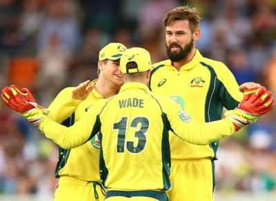 """چوتھے میچ میں شکست کے بعد بھارتی شائقین کا اپنی ٹیم کو """"خراج تحسین"""""""