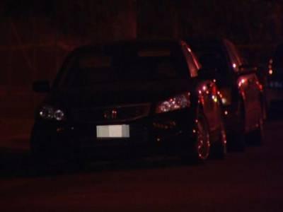 گاڑی کی ڈگی سے آتی خاتون کی چیخوں کی آواز، نوجوان نے مدد کیلئے دروازہ کھولا تو ایسا منظر کہ چکرا کر رہ گیا، بڑی شرمندگی کا سامنا کرنا پڑگیا