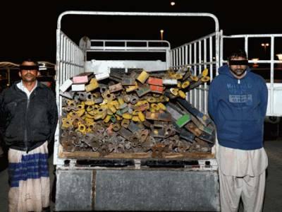 شارجہ میں دو پاکستانی تعمیراتی سامان چوری کر کےلے جاتے ہوئے رنگے ہاتھوں پکڑے گئے