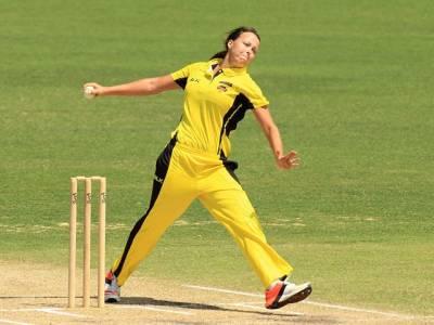 ''جو ا کیوں کھیلا''آسٹریلوی خاتون کرکٹر پر چھ ماہ کی پابندی