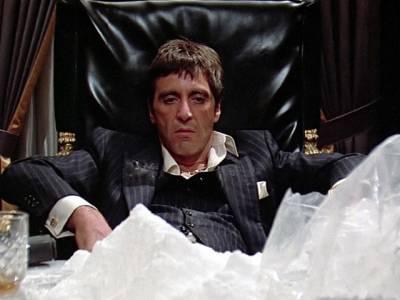 فلموں کے مناظر میں سگریٹ اور دیگر نشے کرنے والے اداکار دراصل کیا چیز استعمال کررہے ہوتے ہیں؟ انتہائی دلچسپ جواب جانئے