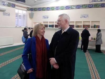 برطانیہ میں مساجد کے دروازے عام لوگوں کے لئے کھول دئیے گئے