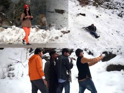 اسلام آباد سمیت مختلف علاقوں میں بارش اور برفباری سے سردی کی شدت میں مزید اضافہ