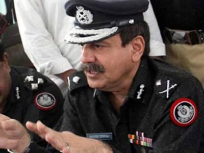 آئی جی سندھ کا شہریوں کو سڑک پر مرغا بنانے والے اہلکاروں کے خلاف کارروائی کا حکم