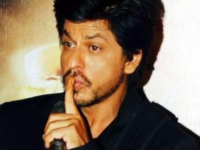 وہ وقت جب بدتمیزی کرنے پر خاتون نے شاہ رخ خان کو تھپڑ دے مارا