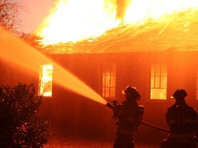مقبوضہ کشمیر میں شارٹ سرکٹ سے گھر میں آگ لگنے سے بچے سمیت 4 افراد ہلاک2زخمی