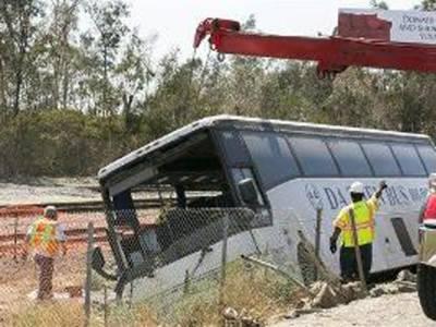 صلالہ سے دبئی آتے ہوئے مسافر بس کو حادثہ، 2پاکستانیوں سمیت 18 افرادجاں بحق ،متعدد زخمی