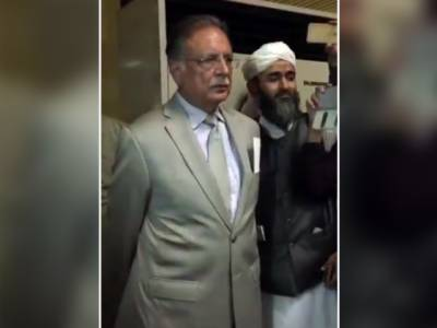 ممتاز قادری کی پھانسی ، مظاہرین کے نرغے میں آنے کے بعد پرویزرشید نے اپنا بیان 'بدل' لیا