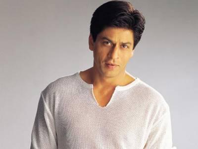 بالی ووڈ کنگ شاہ رخ خان انتہا پسند ہندووں کے سامنے جھک گئے