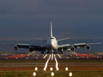جدہ سے لاہور آنے والی پرواز کیساتھ پرندہ ٹکرا گیا، عملہ اور مسافر محفوظ