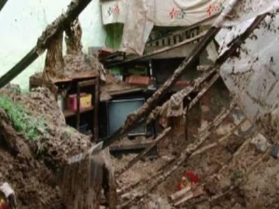 مکان کی چھت گرنے سے ایک ہی خاندان کی 4 خواتین جاں بحق