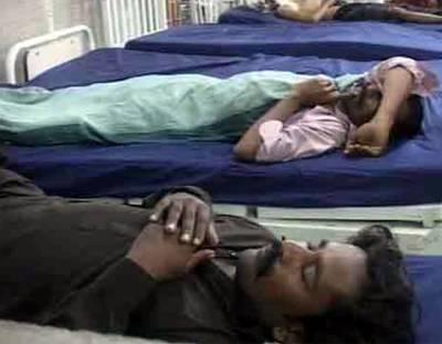 ٹنڈو محمد خان میں زہریلی شراب پینے سے 3 خواتین سمیت 35 افراد ہلاک، وزیراعلیٰ نے نوٹس لے لیا