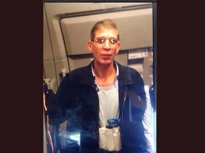 مصری ایئر لائن کا طیارہ ہائی جیک کرنے والے 'عاشق ' نے سنائپرز میں گھرا دیکھ کر خود پولیس کے حوالے کر دیا