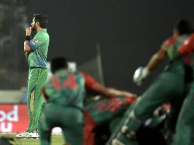 انتخاب عالم کی رپورٹ منظرعام پر، آفریدی کو کپتانی سمیت کسی بھی چیز کا اندازہ نہیں، عمران خان کے مشورے مفید نہیں تھے: ٹیم منیجر
