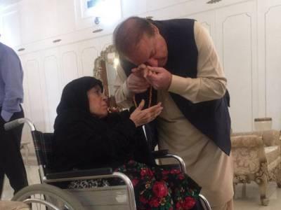 نواز شریف کی اپنی والدہ کے ساتھ تصویر بنانے پر وزیراعلیٰ پنجاب کامریم نواز کا شکریہ