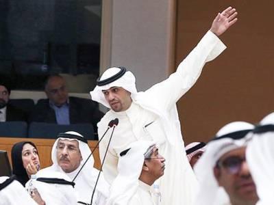 کویت میں تارکین وطن کیلئے پانی اور بجلی کے چارجز بڑھانے کا بل منظور ،کویتی شہری مستثنیٰ قرار