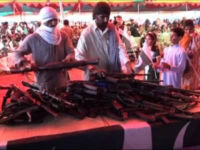 بلوچستان میں 144فراری ہتھیار ڈال کر قومی دھارے میں شامل