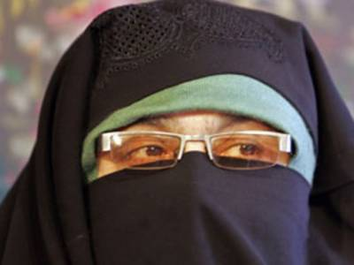 پاکستانی ہائی کمشنر سے آسیہ اندرانی کی ملاقات، بھارتی میڈیا کو آگ لگ گئی