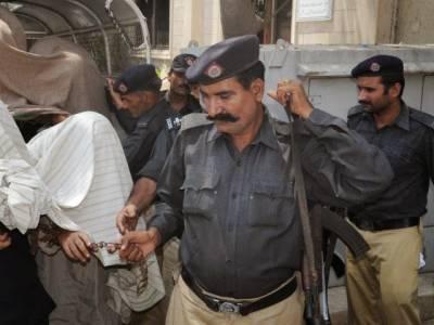 پولیس نے شور کوٹ سے جعلی جج اور اسسٹنٹ کمشنر کو گرفتار کر لیا