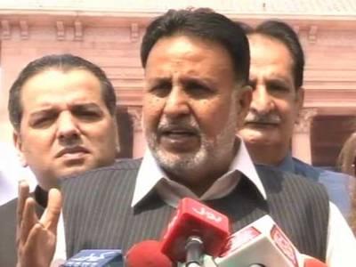 پنجاب اسمبلی میں اپوزیشن جماعتوں نے پانامہ لیکس کی انکوائری تک وزیر اعظم سے مستعفی ہونے کا مطالبہ کر دیا