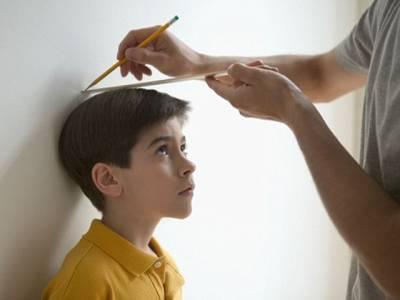 آپ کے بچے کا قد کتنا ہوگا؟ یہ آسان طریقہ استعمال کرکے آپ بچپن میں ہی پتہ لگاسکتے ہیں