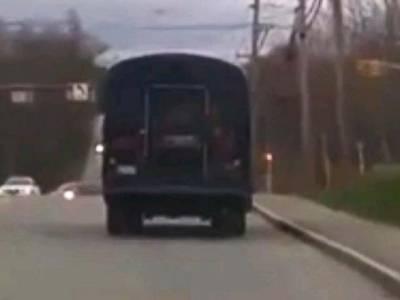 12سالہ برطانوی طالبعلم نے تفریحی سفر کے لئے سکول بس چُرا لی اور سیر سپاٹے کو نکل گیا