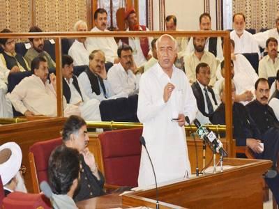 مشاق رئیسانی کے گھر سے کروڑوں روپے ملنے پر بلوچستان اسمبلی کا گرما گرم اجلاس ،اپوزیشن نے عبد المالک کے استعفے کا مطالبہ کردیا