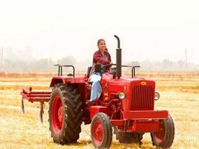 انوشکا کی کھیتوں میں ٹریکٹر چلانے کی خواہش پوری