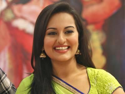 اداکارہ سوناکشی سنہانے اپنے فن پارے نیلام کردیئے