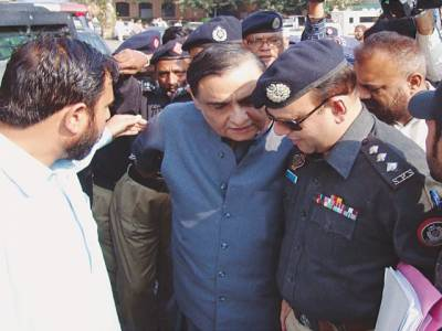 ڈاکٹر عاصم حسین کرپشن کیس : پہلا گواہ عدالت میں نیب کو دیے گئے بیان سے مکر گیا ، ڈاکٹر عاصم کو پہچاننے سے انکار