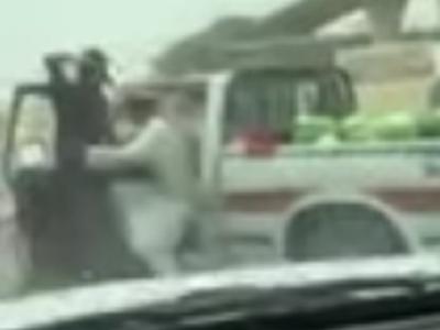 سعودی پولیس کی غریب سبزی فروش کے ساتھ ایسی خوفناک حرکت کہ ملک میں ہنگامہ برپاہوگیا، انٹرنیٹ صارفین سراپا احتجاج