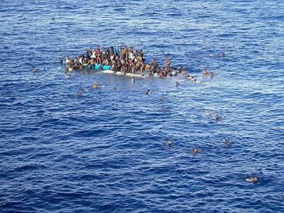 پناہ کی تلاش میں جانے والوں کی کشتیاں الٹنے سے 700افراد ہلاک ،سینکڑوں لاپتہ