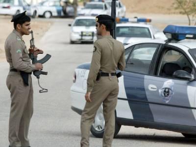 سعودی پولیس نے احتجاج کرنے والے لوگوں سے سڑک خالی کروالی