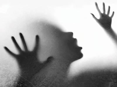 شادی شدہ خاتون سے زیادتی ، ویڈیو بنا کر بلیک میلنگ، پولیس کا کارروائی سے انکار
