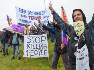جرمنی ، امریکی فضائی اڈے کے قریب ڈرون حملوں کیخلاف ہزاروں افراد کا احتجاج