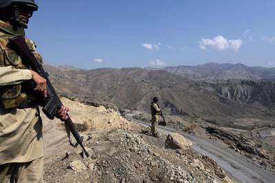 افغان سیکیورٹی فورسز کی جانب سے طورخم بارڈر پر وقفے وقفے سے فائرنگ جاری