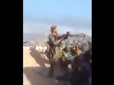 سرحد پر للکارنے والے افغان فوجی کو چند ہی لمحوں میں پاک فوج نے انجام کو پہنچادیا، ویڈیو دیکھیں